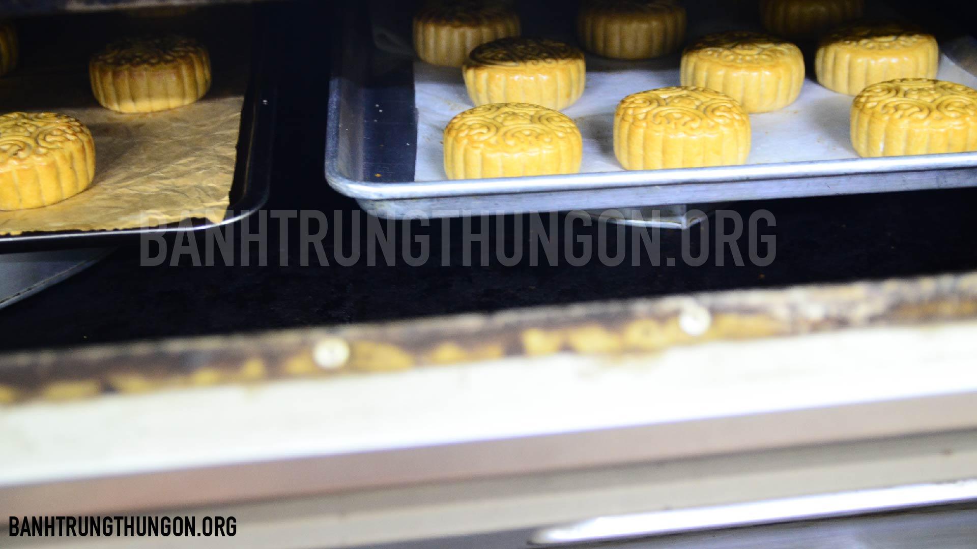 nướng bánh trung thu